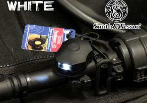 S&W taktikai jelzõfény - fehér